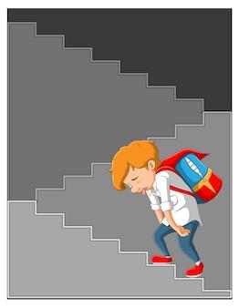 Menino cansado andando na escada, vestindo seu uniforme e carregando uma bolsa