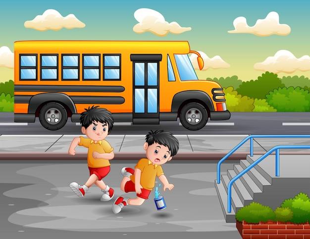 Menino de desenho animado chutando outra perna de criança e caindo