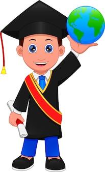 Menino de desenho animado com fantasia de formatura e segurando um globo