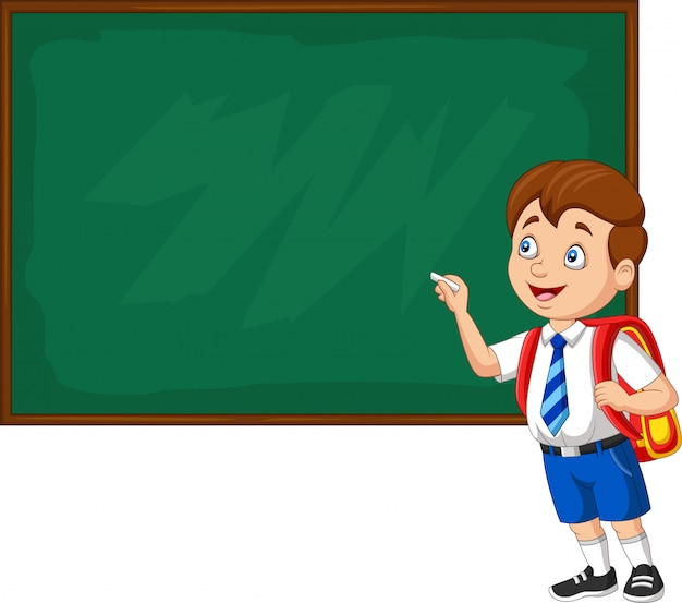 Menino de escola dos desenhos animados na escrita uniforme no quadro-negro