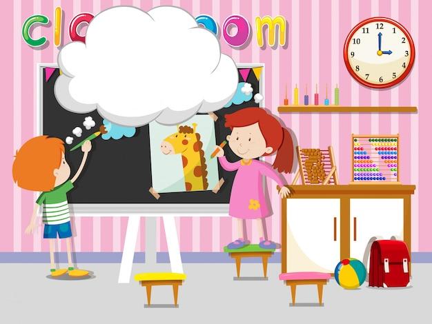 Menino e menina desenhando e pintando na sala de aula