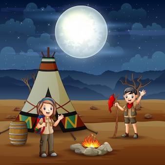 Menino e menina escoteiros felizes na ilustração do acampamento