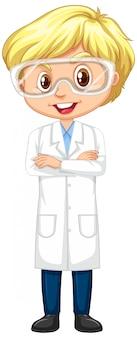 Menino em vestido de laboratório permanente em branco