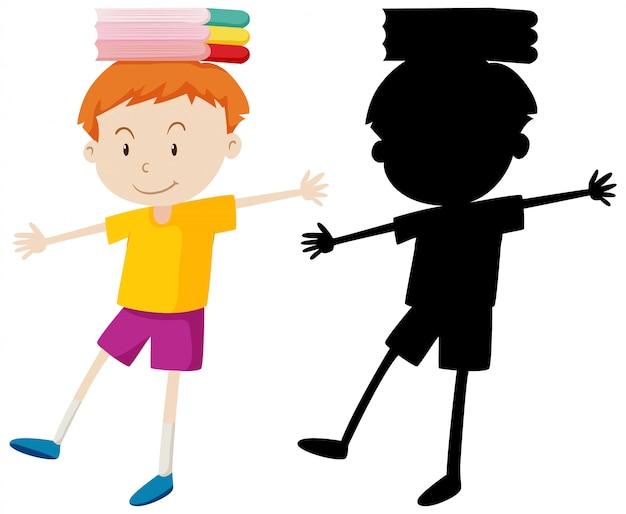 Menino, equilibrando os livros na cabeça em cor e silhueta