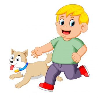 Menino, executando, com, seu, cão