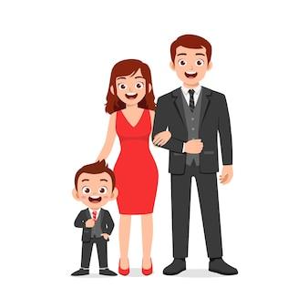 Menino fofo com ilustração de mamãe e papai juntos