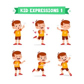 Menino fofo em várias expressões e conjunto de gestos