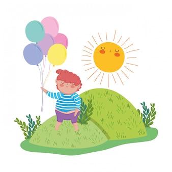Menino gordinho com balões de hélio na paisagem