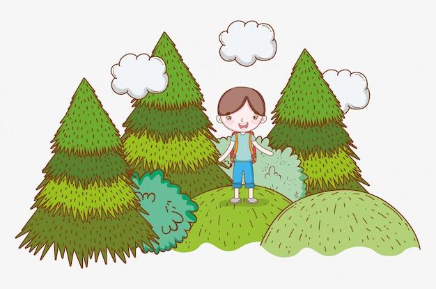 Menino, montanhas, nuvens, pinho, árvores