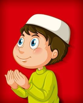 Menino muçulmano rezando em fundo gradiente de cor