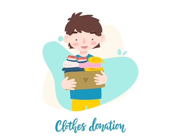 Menino segurando uma caixa de papelão com roupas para doação ou reciclagem.