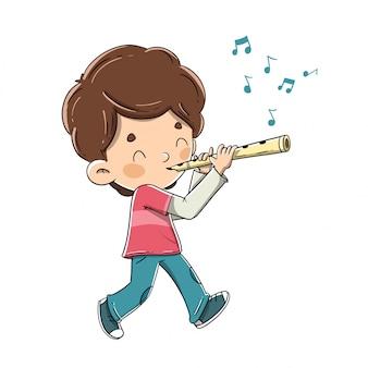 Menino tocando flauta enquanto caminhava