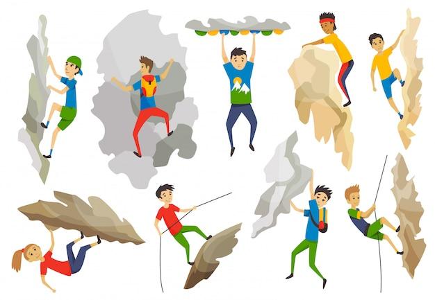 Meninos e menina com saco subindo em uma montanha de pedra com equipamento. esportes ao ar livre extremos. escalando as montanhas.