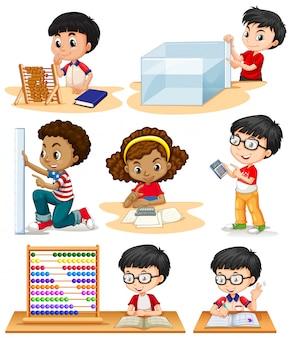 Meninos e menina fazendo problemas de matemática