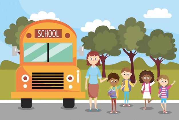 Meninos e meninas estudantes e ônibus escolar
