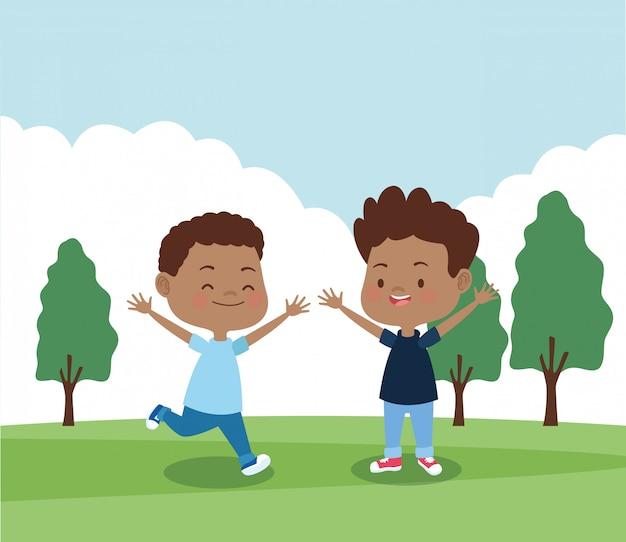 Meninos felizes no parque