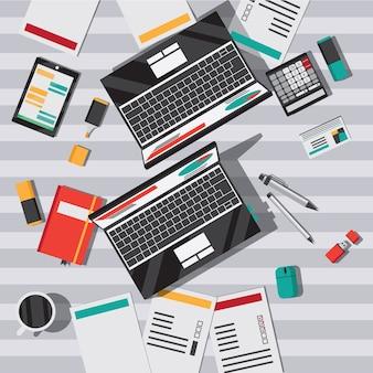 Mesa de escritório com vista superior plana de notebook