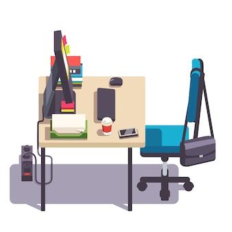 Mesa de escritório ou de escritório com cadeira de rodízios, computador