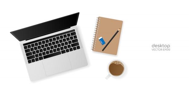 Mesa de escritório vista superior com computador portátil, caderno, lápis e um copo