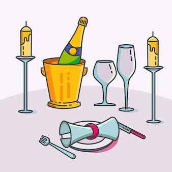 Mesa de restaurante reservada com toalha de mesa, velas em castiçal, planta, copo de vinho, champanhe e talheres.