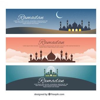 Mesquitas e luas bandeiras ramadan