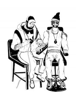 Mestre de tatuagem profissional na ilustração do trabalho. tatuador com cliente.