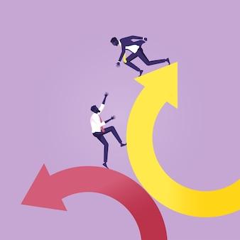 Metáfora para o trabalho em equipe ajudando desde a crise até o sucesso nos negócios Vetor Premium