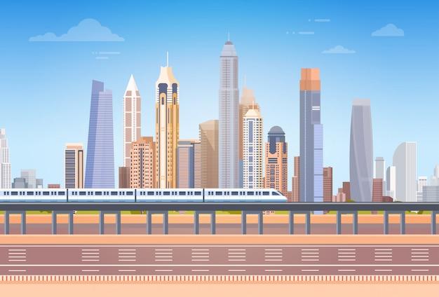 Metrô, sobre, cidade, arranha-céu, vista cityscape, fundo, skyline, com, espaço cópia