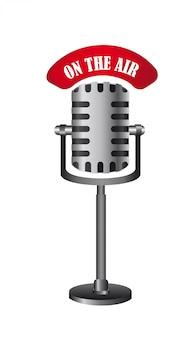 Microfone antigo isolado no ar