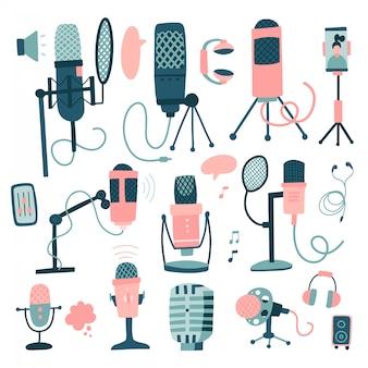 Microfones e ditafone grande conjunto. mão desenhada ícone microfone eletrônico e equipamentos de gravador, gravador de dispositivo, tecnologia de áudio. ilustração plana isolada no branco