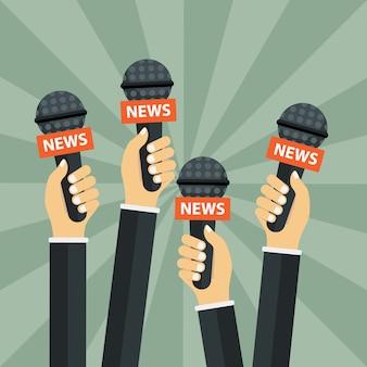 Microfones nas mãos do repórter