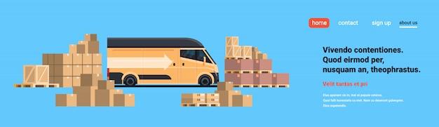 Minivan de carga armazém carregando pacotes de pacotes caixa de papel, entrega internacional conceito industrial espaço horizontal cópia plana