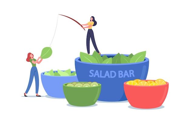 Minúsculas personagens femininas ficam em uma tigela enorme com salada no bar vegetariano. pessoas comendo vegetais e frutas em buffet vegano