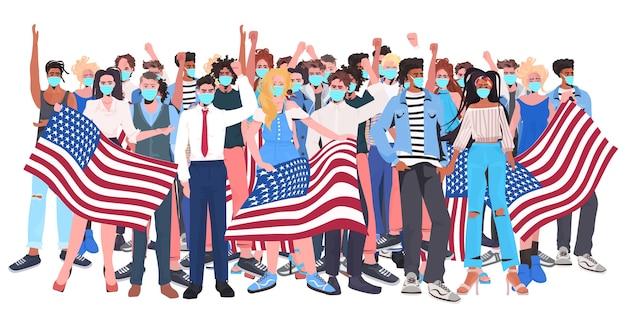Mistura raça pessoas aglomeram-se com máscaras em pé juntos celebração do dia do trabalho conceito de quarentena coronavírus