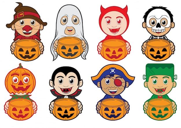 Miúdos que vestem o traje de halloween