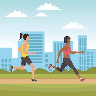 Moças correndo atletas na cidade