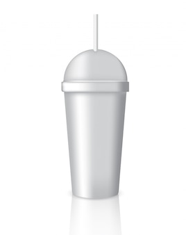 Mock-se embalagem de café realista com vidro ou copa em fundo branco