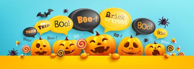 Modelo de banner de feliz dia das bruxas com abóbora de halloween fofa e mensagem de bolha no topo.