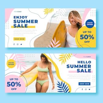 Modelo de banner de venda plana de verão com foto