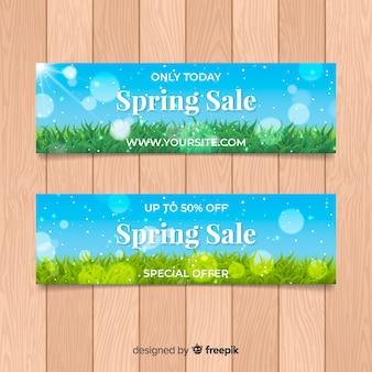 Modelo de banner de venda realista da primavera