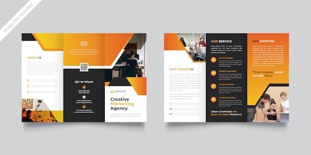 Modelo de brochura com três dobras de agência criativa vetor premium