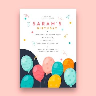 Modelo de cartão de aniversário com balões