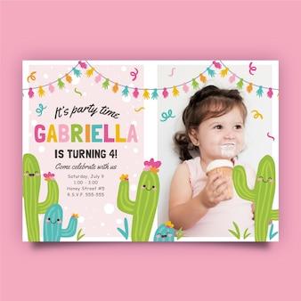 Modelo de cartão de aniversário infantil com cacto