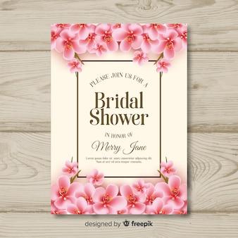 Modelo de cartão de chuveiro nupcial realista flores