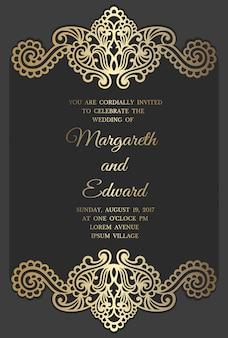 Modelo de cartão de convite de casamento com padrão de folha de ouro. design de borda cortada a laser.