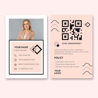 Modelo de cartão de identidade para mulher de negócios