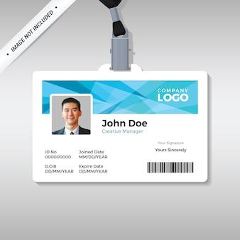 Modelo de cartão de identificação com fundo azul abstrato