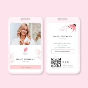 Modelo de cartão de identificação de salão de beleza Vetor grátis
