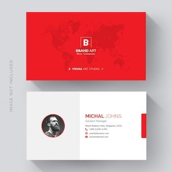 Modelo de cartão de negócios corporativo com detalhes em vermelho