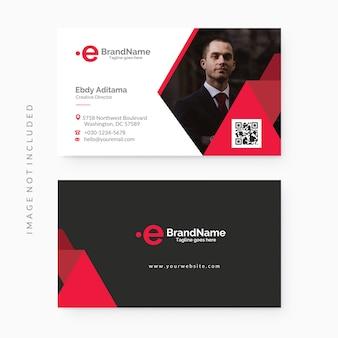 Modelo de cartão de negócios corporativo vermelho e preto limpo e moderno